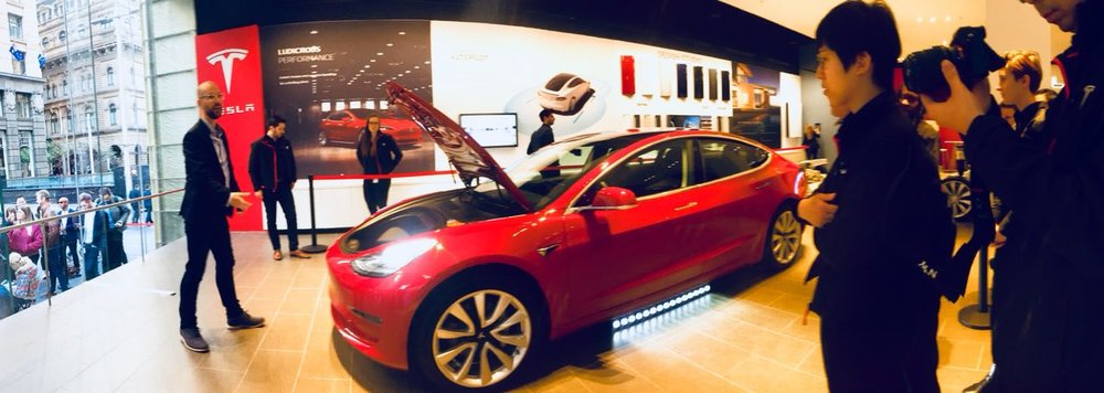 tesla model 3 launch day martin place showroom