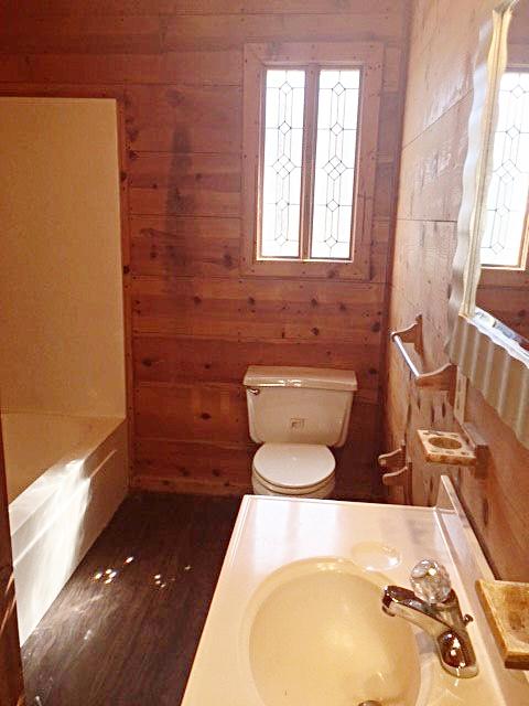 cut glass bathroom 258.jpg