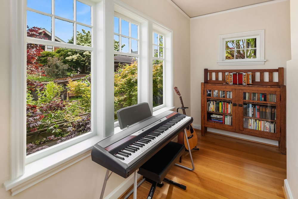 Secret mini-library? Music room? Writing cubby? Make it yours.