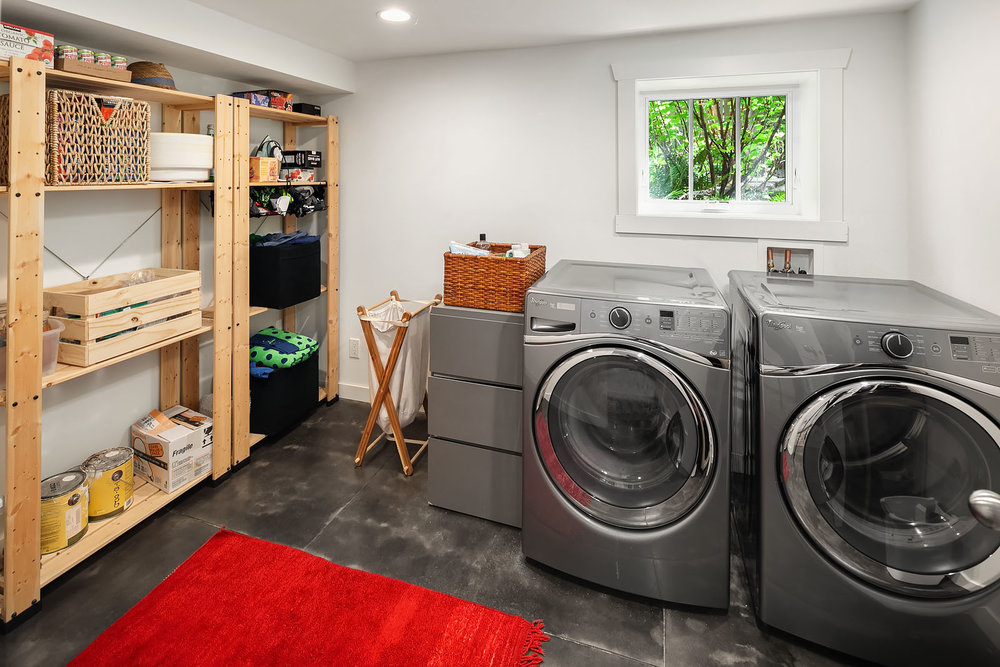 Plenty of space in the crisp laundry room.