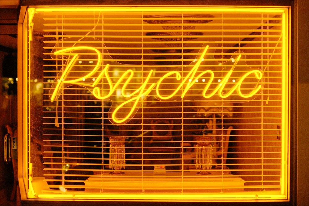 17Psychic RT_documentary photographer, documentary scotland, freelance photographer, photographer edinburgh, photographer scotland, glasgow, mat hay, photographer london, L.A., california, los angelese, london, sunset strip, sunset boulevard.jpg