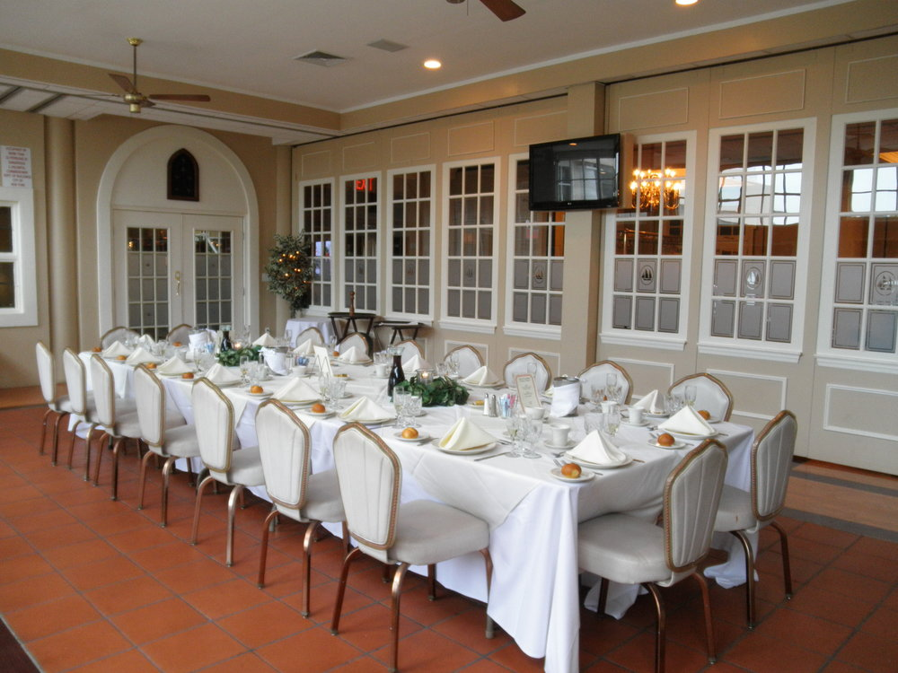 Parakeet Long Table 2.JPG