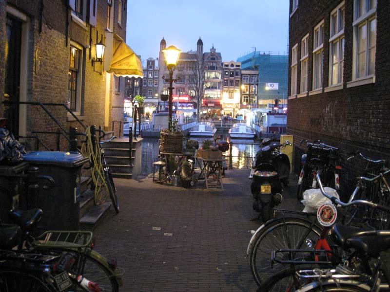 NWA_Amsterdam_1.jpg