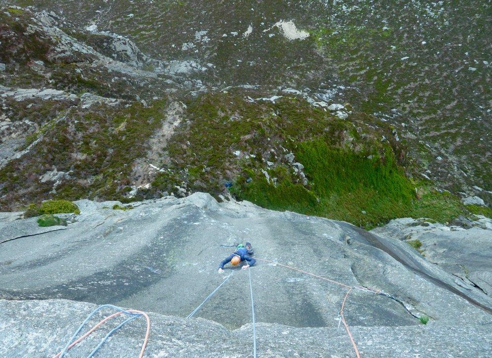 dan mcmanus on the great escape (E8 6c), arran. scotland