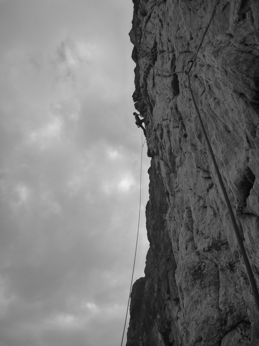 rat race (e3 5c), gogarth. north wales. Photo: adam russell