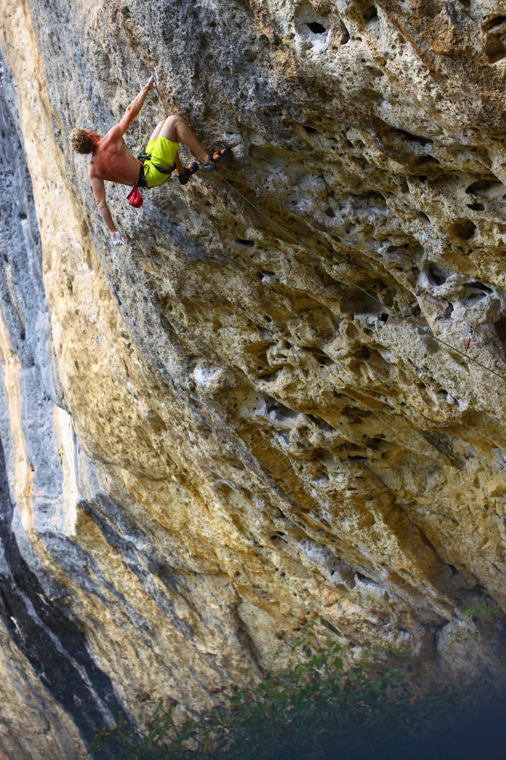vagabond d'occident (7c), ceuse. france. photo: rachel slater