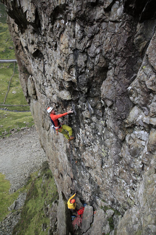 the 39 slaps (E7 6c), scimitar ridge, north wales. photo: mike hutton