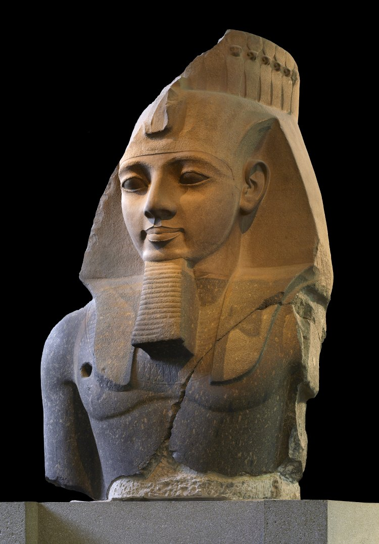 The Younger Memnon, sculptor unknown, depicting Pharaoh Ramesses II, known to the ancient Greeks as Ozymandias.