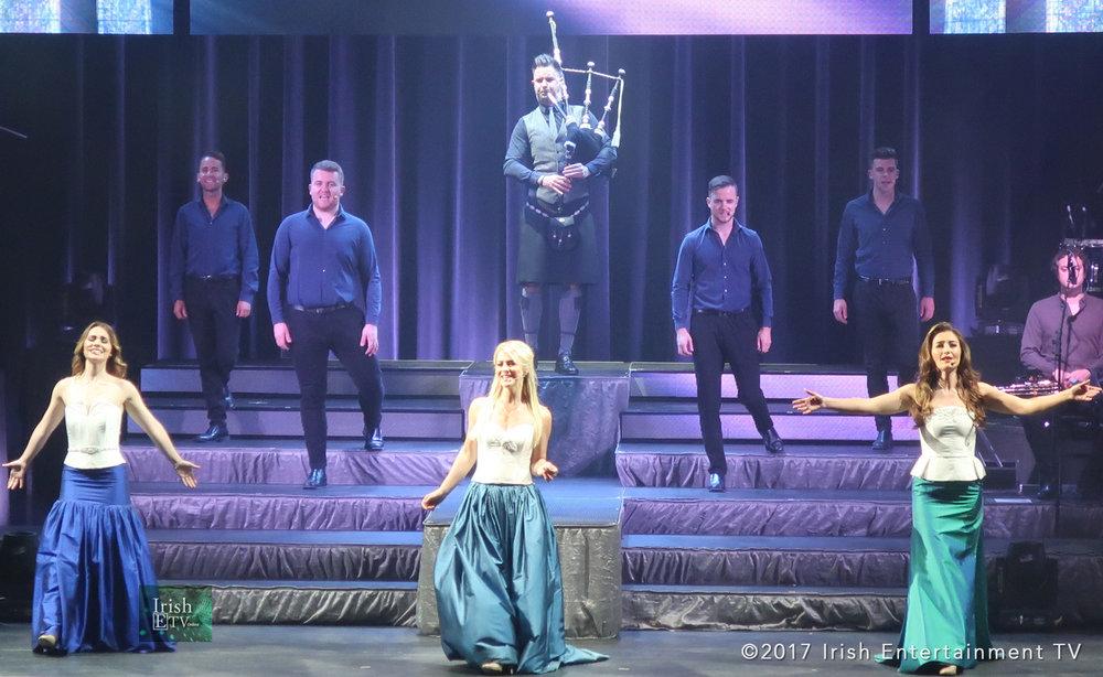 Irish-ETV-Celtic-Woman-Photos-Singers-Bagpipe.jpg