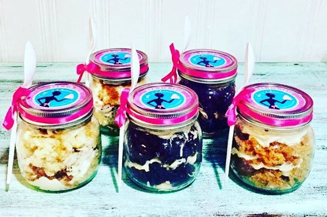 #cakeachance #miramichi #cakeinajar #yum #yummy #foodporn #teachergift #teachergifts #hostessgift #hostessgifts #stockingstuffers #vanilla #redvelvet #oreo #chocolate #coconut #caramel #foodgasm #delish