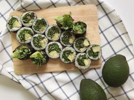 avocado salad kimbap