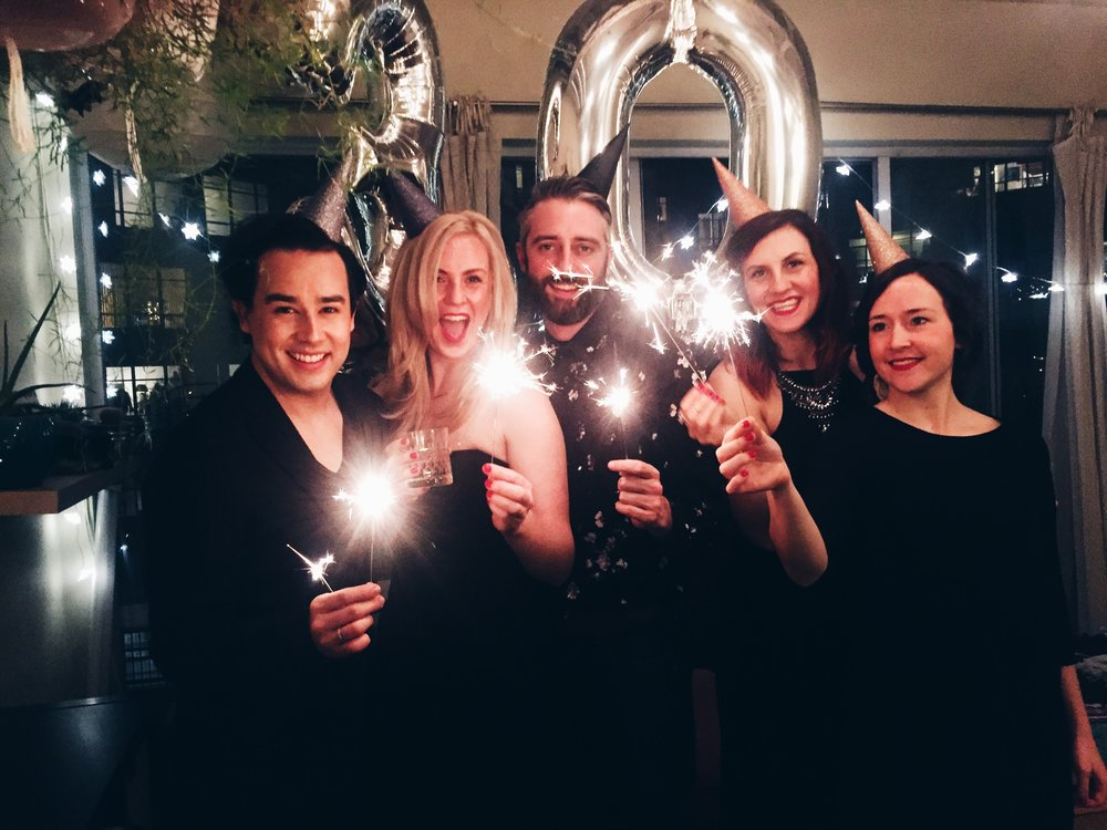 DIY metallic ombre glitter party hats for a classy 30th birthday + balloons