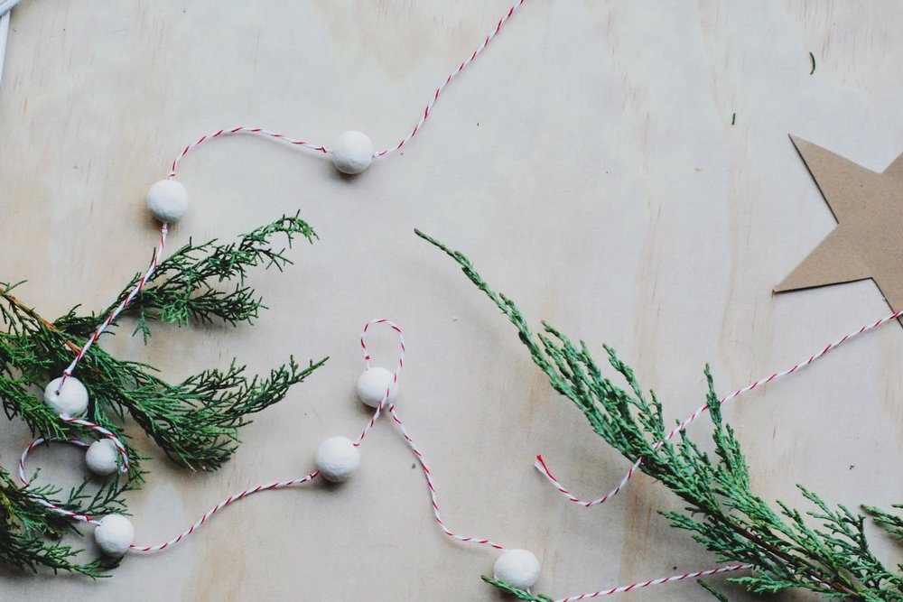 DIY - the slow art of making Christmas beads - minimalist Christmas