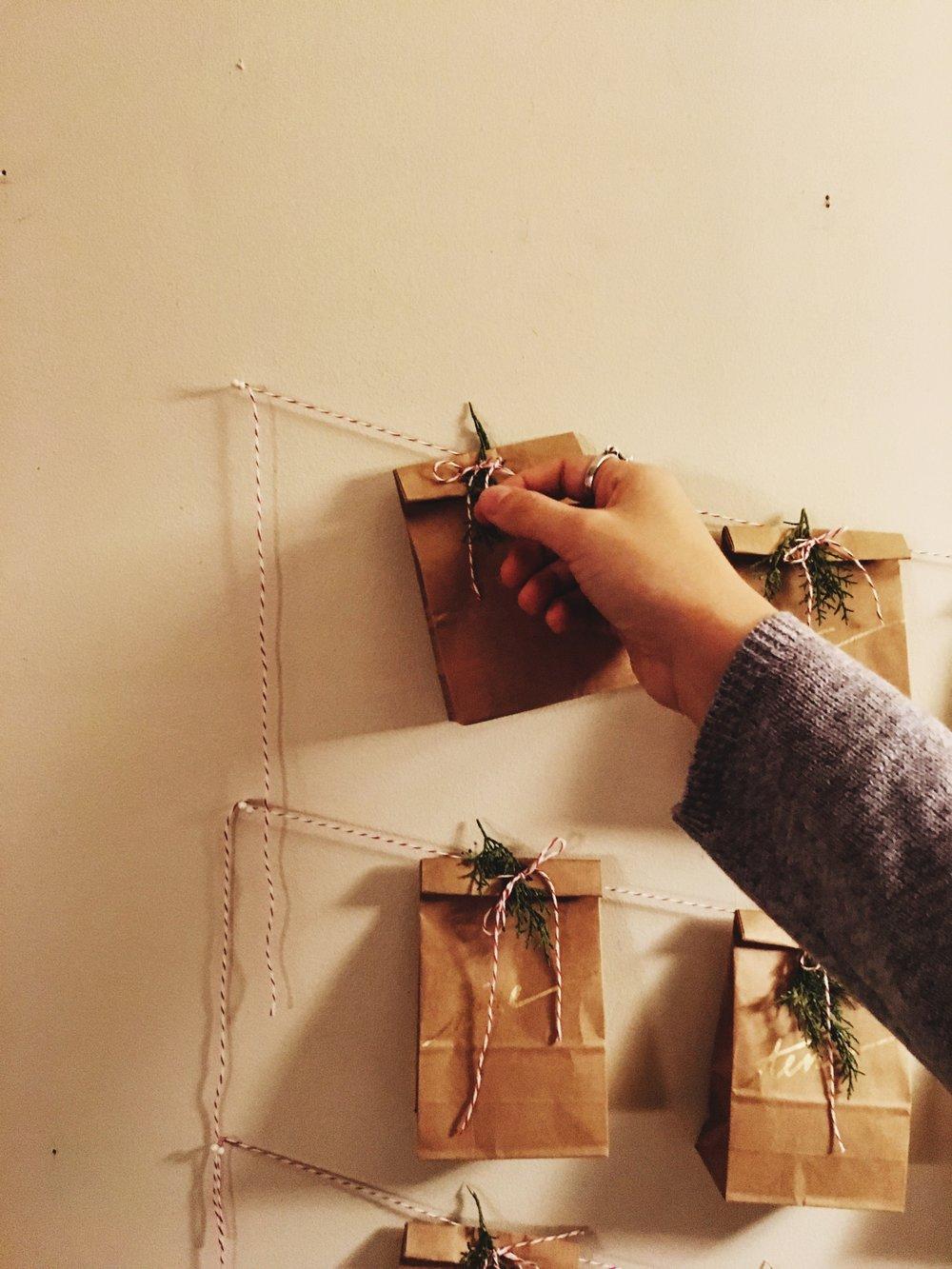 DIY advent calendar on livingforeva.com