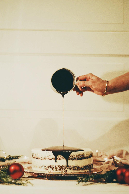 A Festive Friendship Feast for the holidays- Livia Sweets chocolate ganache // chocolate cake // cinnamon frosting