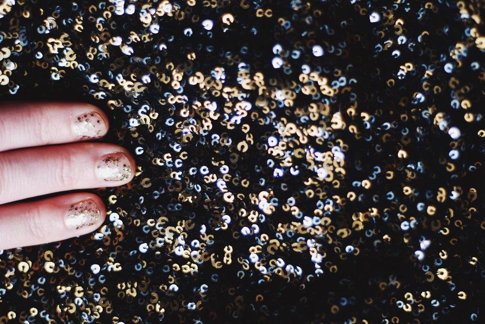 DIY sparkle manicure