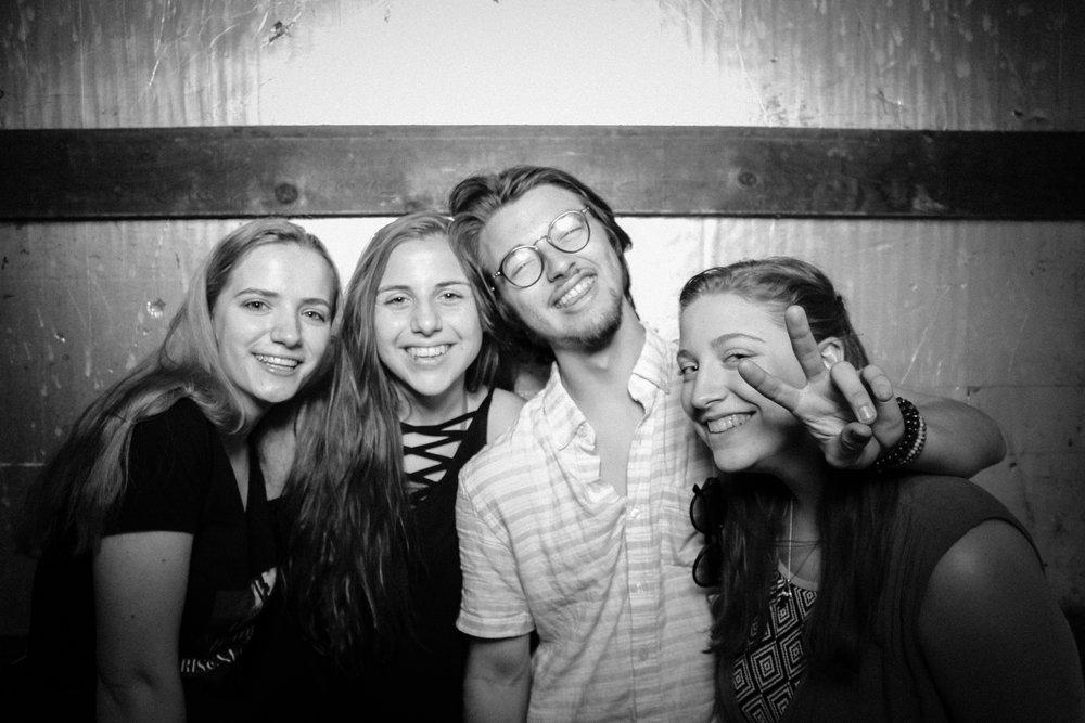 Grad Party 6-3-698.jpg