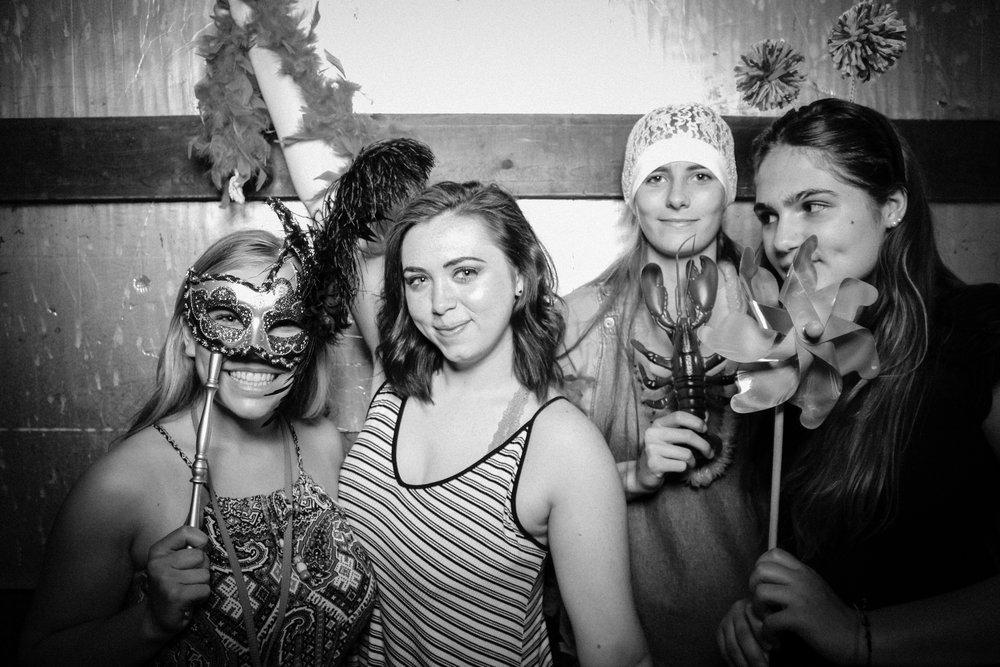 Grad Party 6-3-742.jpg