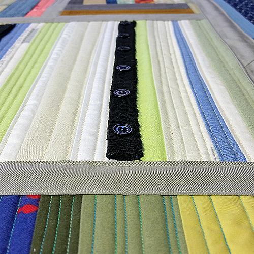 05 quilt diary detail buttons 72 500.jpg