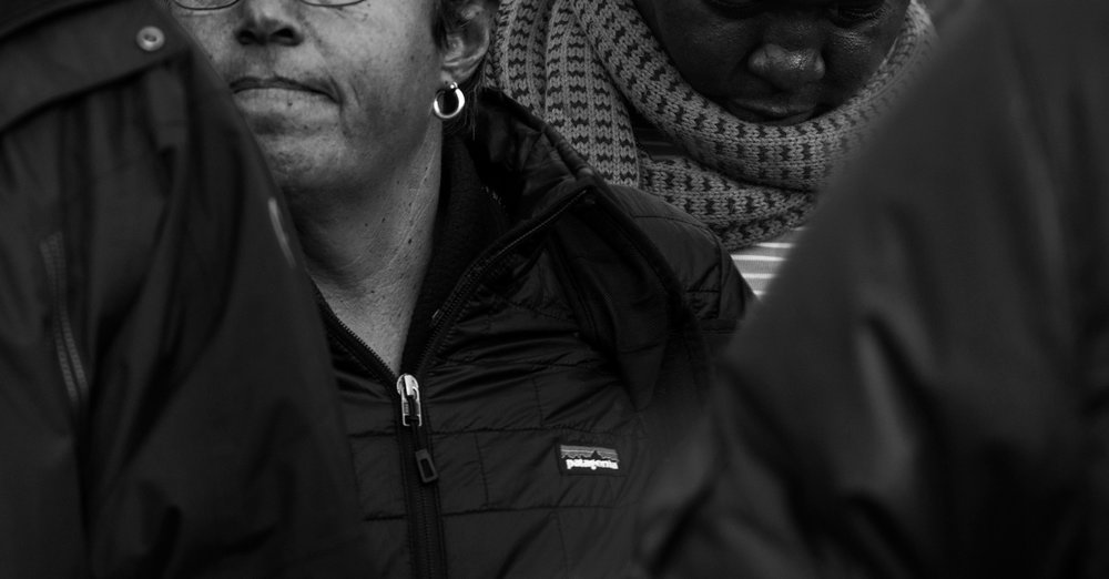 The woman with the PATAGONIA jacket    .                   (56 x 106 cm - Washington - Jan 20, 2017  )