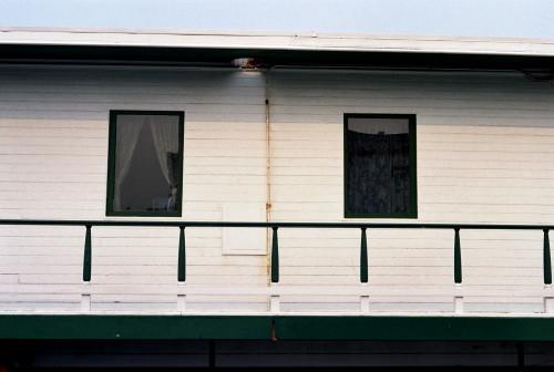 houseboat_1.jpg