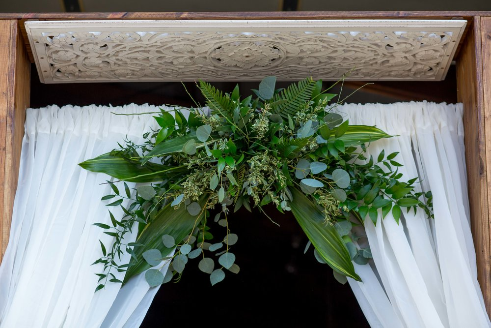 2.15.2019_WeddingFlowerArch_DETAILS-3335.jpg