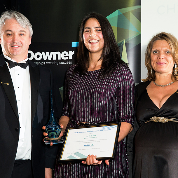 Emily Afoa (centre) receives the Young Water Professional of the Year award, presented to her by Clive Rundle from CH2M Beca and Water NZ President Dukessa Blackburn-Huettner.