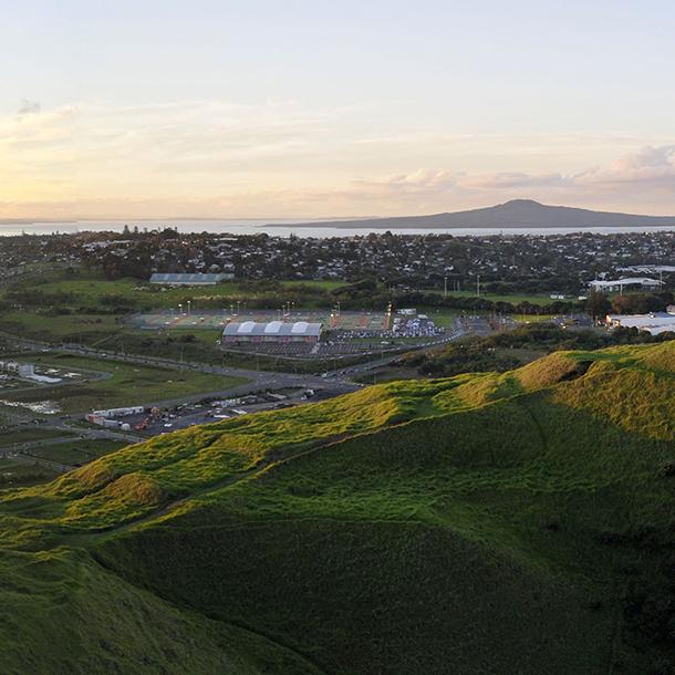 sunrise-auckland-rangitoto-urban.jpg