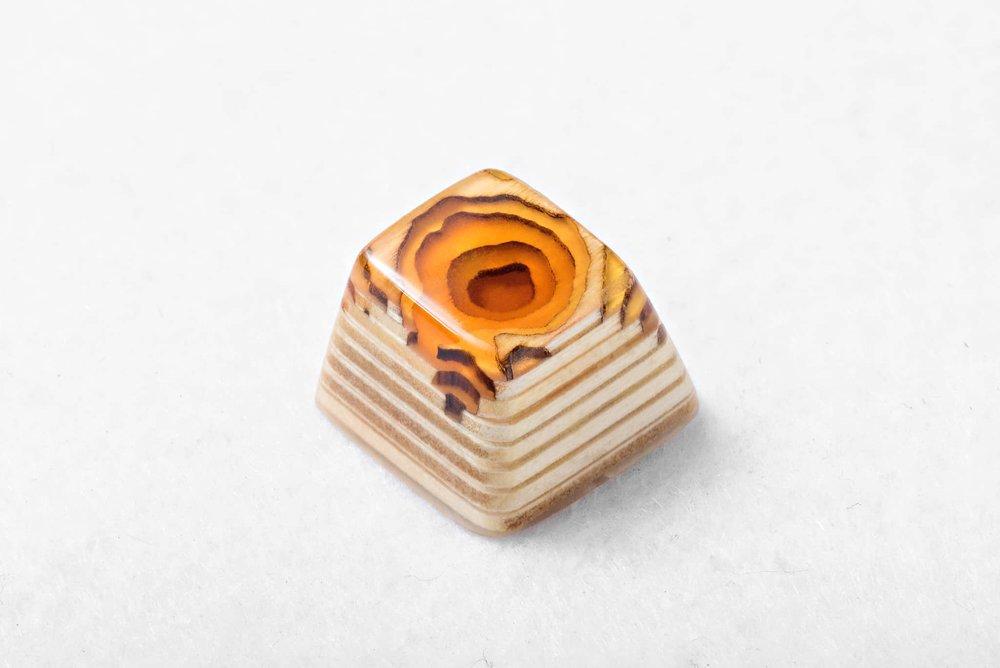 Keycap Topo Lockness yellow 01.jpg