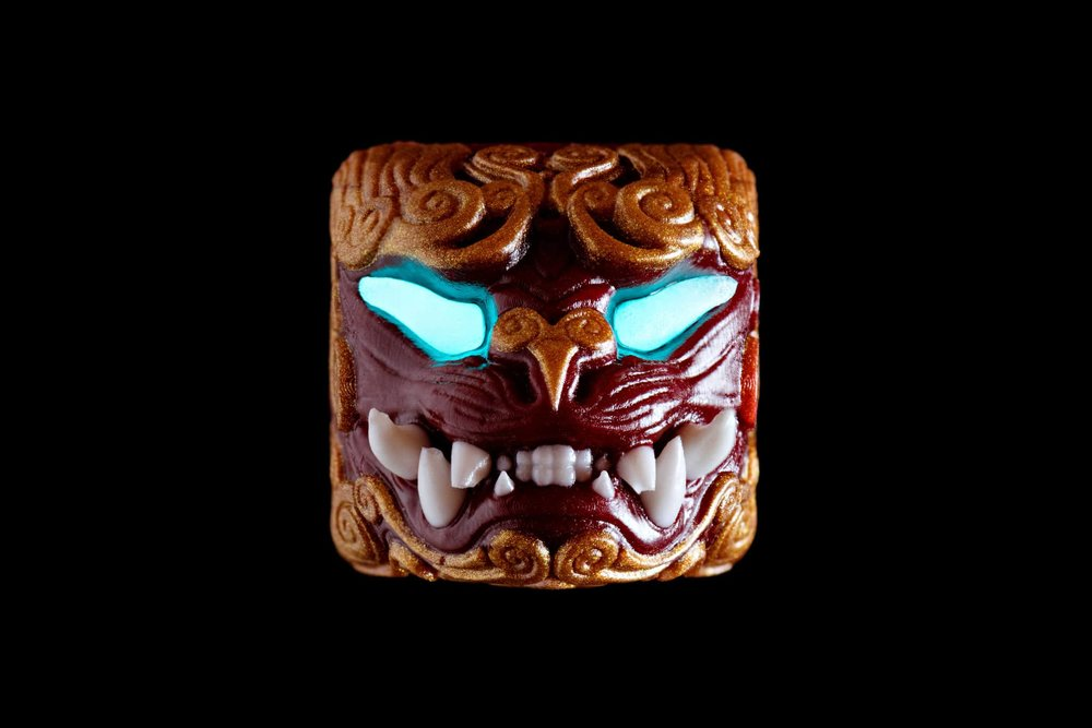 Guardian of the East keycap - Red 05.jpg