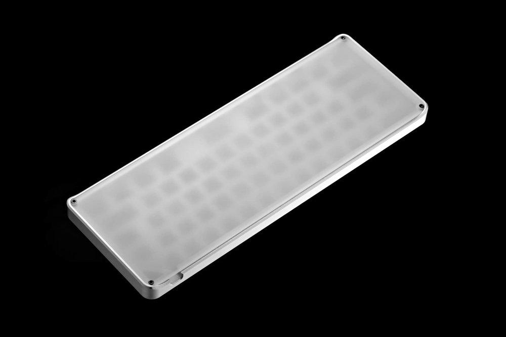 Alumium case 04.jpg