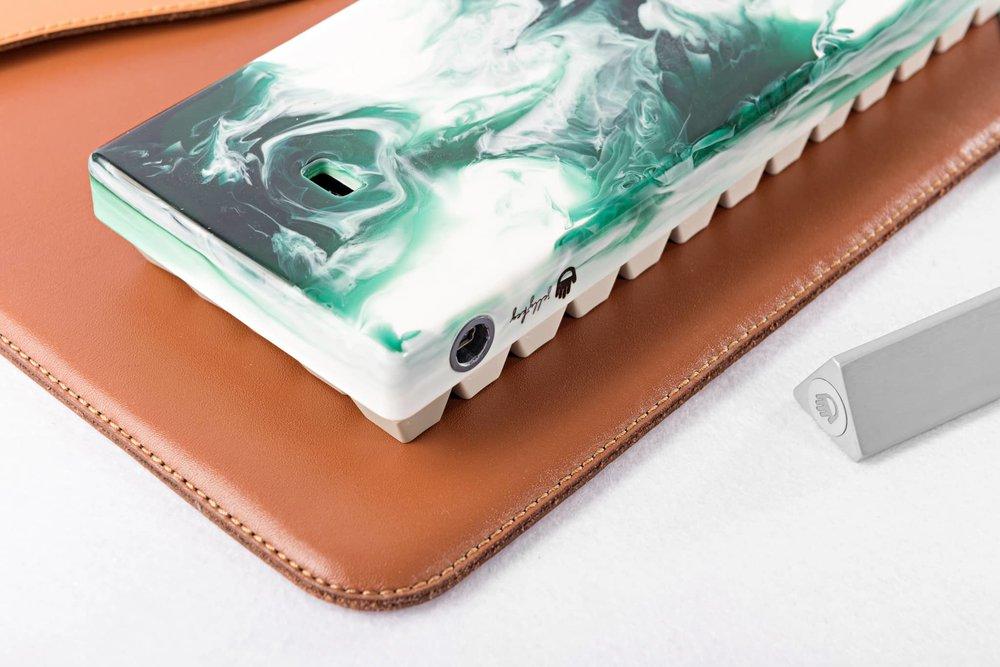 Fusion case green 10.jpg