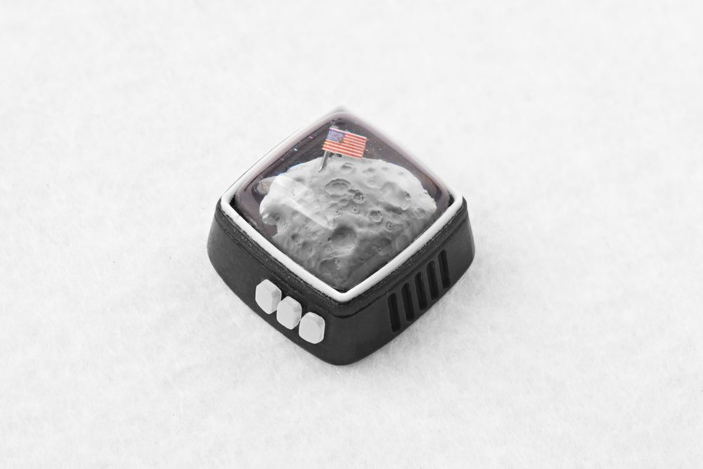Jelly Key - RetroTV series – Fly to the moon artisan keycap 036.jpg