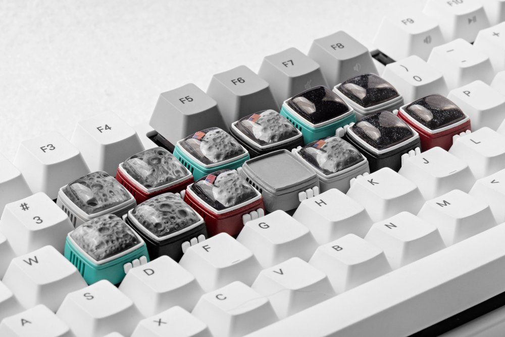 Jelly Key - RetroTV series – Fly to the moon artisan keycap 0013.jpg