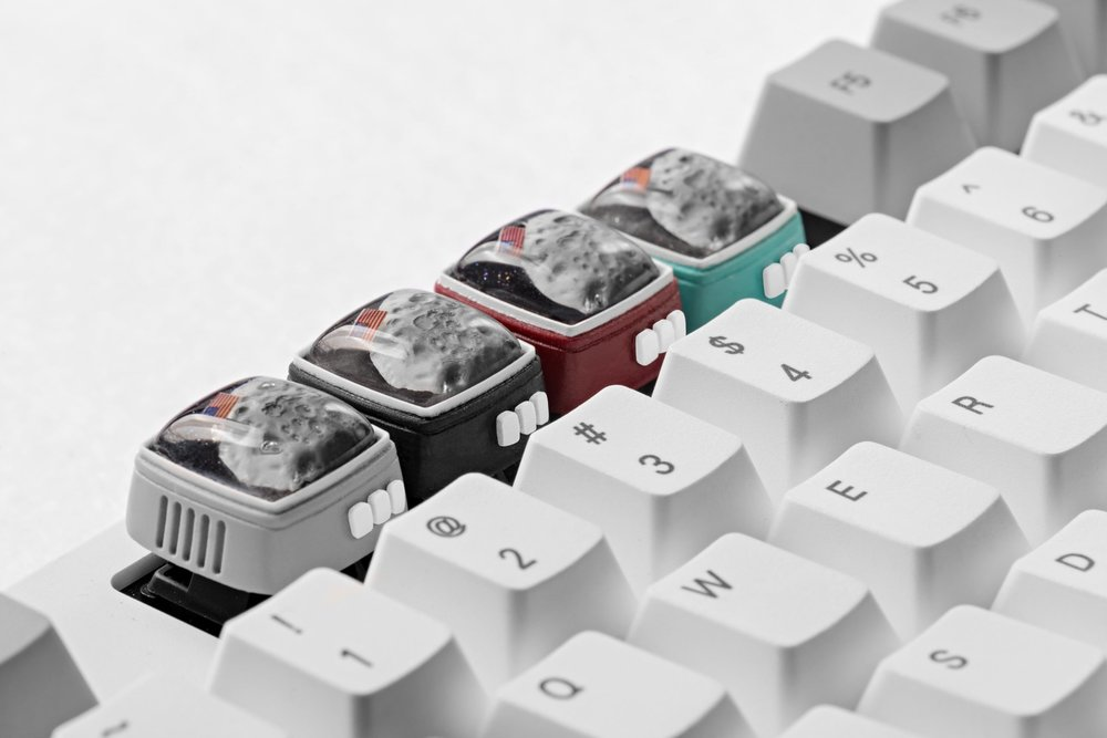 Jelly Key - RetroTV series – Fly to the moon artisan keycap 0014.jpg