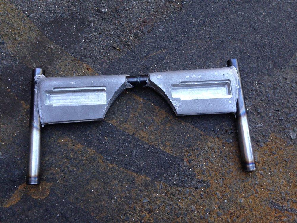Fully machined handlebars.