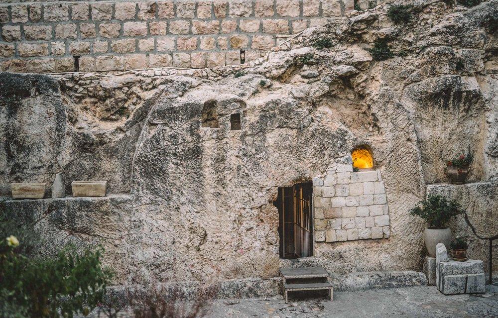 tomb-2.jpg