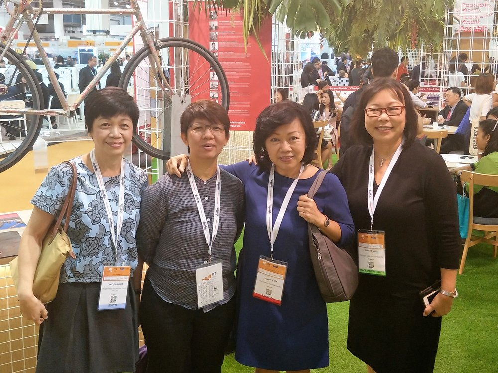 From left to right:  Ms Khoo Choo Eng (Senior Executive Product Development, TradeWinds), Ms Tiew Peng (LuxExplorer), Ms Samantha Lim (Manager Product Development, TradeWinds), Ms Serene Law (VP, FLA).