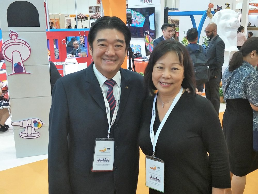 From left to right: Mr Christopher Kang (Director of Commercial Strategy, Mandarin Oriental Singapore), Ms Serene Law (VP, FLA).
