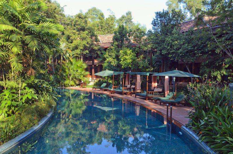 Resort_Pool_1_P.jpg