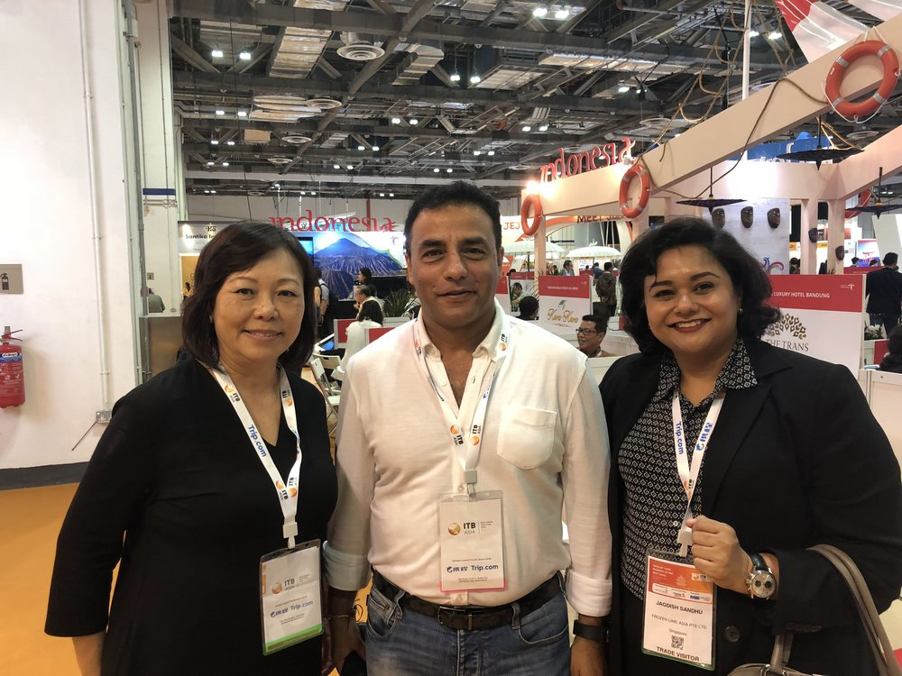 From left to right:  Ms Serene Law (FLA), Mr Sanjay Surinder Hakhu (Sphere Travelmedia & Exhibitions), Ms Jagdish Sandhu (FLA).