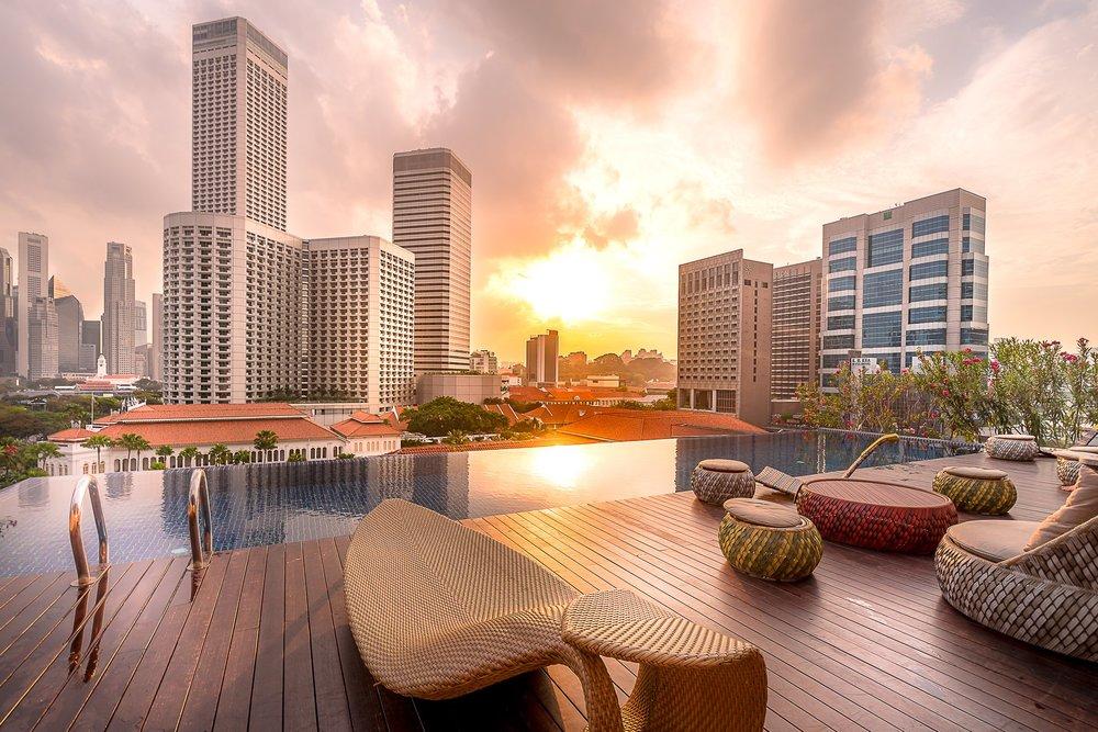 Rooftop_Infinity_Pool_Sunset_View_S.jpg