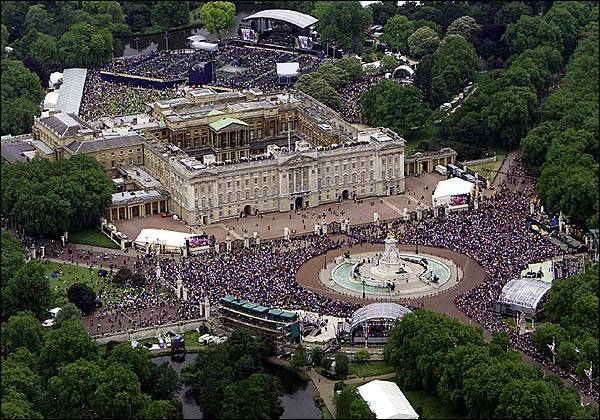 Golden Jubilee- Buckingham Palace