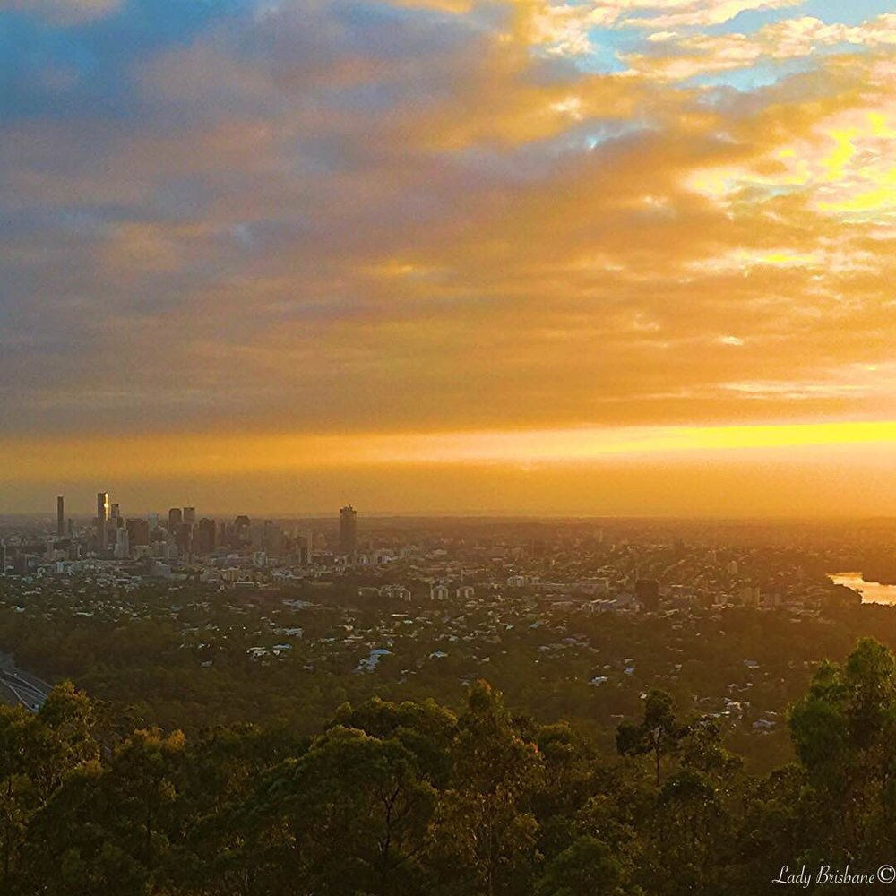 Sunrise from Mt Coot tha Lookout