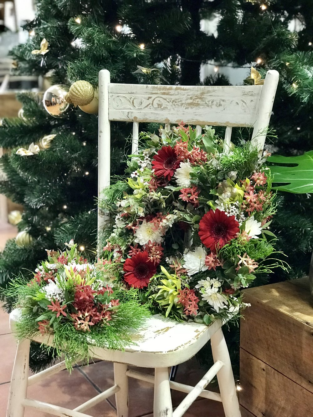 My creations from the Northside Flower Market Christmas wreath and table centre piece workshop.
