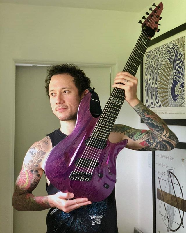 Quali video vorreste vedere sul canale youtube del nostro Heafy?  Per oggi c'è l'unboxing della sua nuova chitarra! 😎  Regrann from @matthewkheafy -  What sort of videos do you wanna see on my YouTube channel? Today features an unboxing of my new @aristidesguitars #080s! Link in bio and youtube.com/matthewkheafy - #regrann