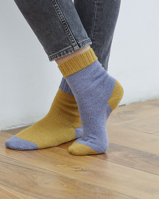Dave is a plain sock with two possible constructions - heel flap and turn, or afterthought heel.