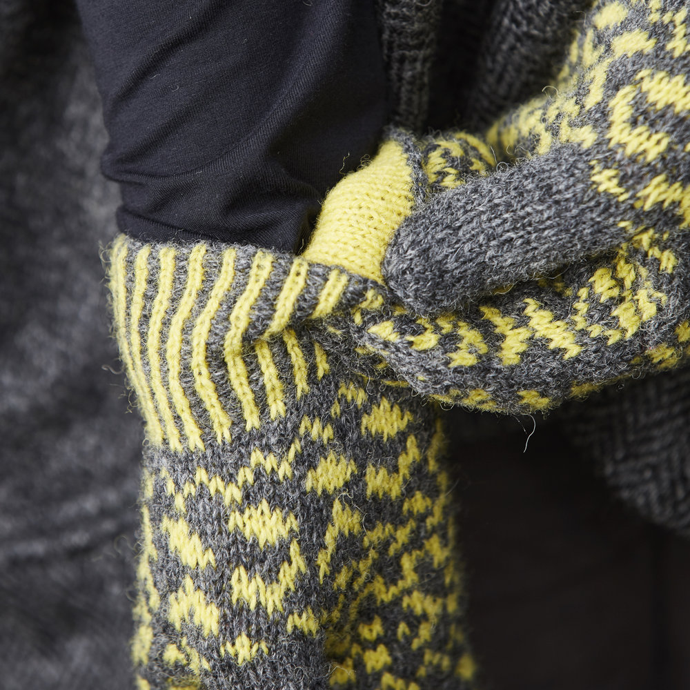 The mittens feature a corrugated rib cuff with contrast colour facing. Image © Jesse Wild.