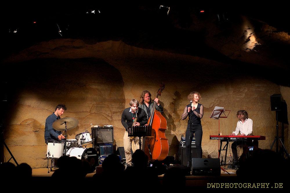 Anna-Maria-Sturm-Quintett_Gig-im-Felsenkeller_3.jpg