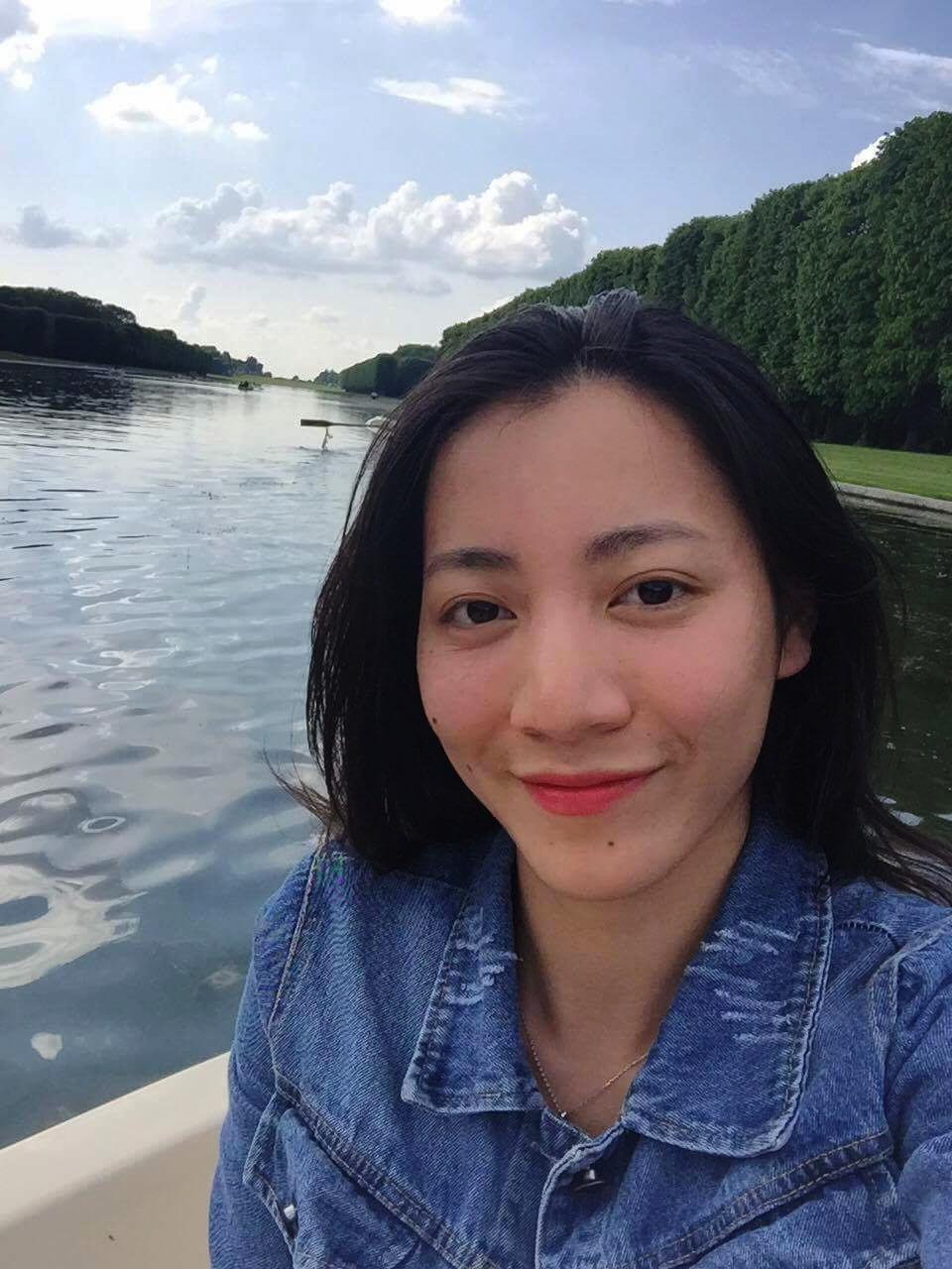 LE Thi Viet Trinh  Project Coordinator/// LE Thi Viet Trinh  Coordinatrice de Projet/// LE Thi Viet Trinh  Điều phối viên dự án